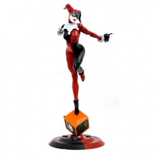 DC Comic Gallery Diorama: Harley Quinn (Classic)