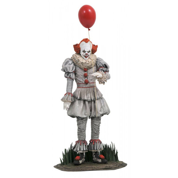 Stephen King's It Chapter Two Diorama Pennywise