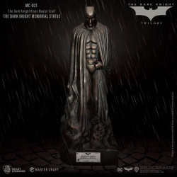 The Dark Knight Rises Master Craft Statue: The Dark Knight Memorial Batman