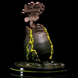 "Q-Fig Diorama: Alien ""Free Hugs"""